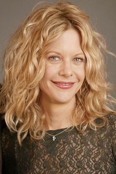 """American actress Meg Ryan attends the photocall for the film """"Kate. Meg Ryan Hairstyles, Wavy Hairstyles, Long Layered Curly Hair, Meg Ryan Photos, Medium Hair Styles, Curly Hair Styles, Celebrity Plastic Surgery, Hair Lengths, Hair Inspiration"""