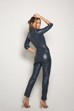 Leather Catsuit, Leather Jumpsuit, Leather Dresses, Leather Outfits, Rubber Catsuit, Tight Leather Pants, Tights, Leggings, Ideias Fashion