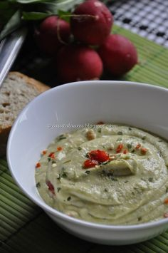 Tastefull, creamy hummus with a pinch of green herbs. Homemade Ranch Dressing, Most Popular Recipes, Spice Mixes, Tahini, Hummus, Spices, Food And Drink, Appetizers, Healthy Recipes