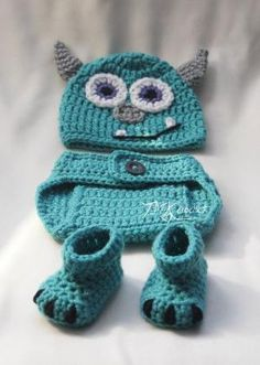 I need to learn how to crochet! Crochet Monsters Inc. Sully Hat and Diaper Cover Set. Sizes months and months. Crochet Monster Hat, Crochet Monsters, Baby Patterns, Crochet Patterns, Knitting Patterns, Crochet Ideas, Bonnet Crochet, Baby Kostüm, Diy Baby
