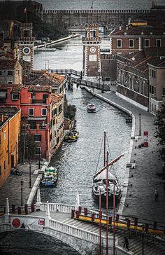 Arsenal de #Venecia en #Castello http://www.venecia.travel/distritos-de-venecia/castello/ #turismo #viajar #Italia