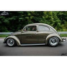 Volkswagen – One Stop Classic Car News & Tips Volkswagen New Beetle, Beetle Car, Vw T, Volkswagen Golf, Combi T1, Hot Vw, Look Rockabilly, Vw Classic, Vw Vintage
