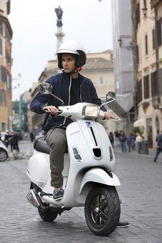 Die neue #Vespa S mit dem neuen 3V-Motor von #Piaggio. Verfügbar mit 125cm³ oder 150cm³. Jetzt auch bei uns im #CycleShop erhältlich!