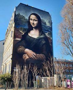 the biggest Mona Lisa ever ! New from in Berlin, Germany 📸 by Grafitti Street, Street Installation, East Side Gallery, Berlin Art, Sidewalk Chalk Art, Mural Wall Art, Outdoor Art, Street Artists, Banksy