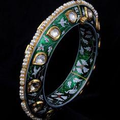 A Pair Of Diamond Polki Enamelled Kada Jewelry Shop, Jewelry Stores, Jewelry Ideas, Stone Jewelry, Gold Jewelry, Rajputi Jewellery, Bangles Making, Uncut Diamond, Diamond Bangle