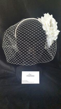 Headdress with grid and Flowers Rhinestones Ilaria Belloni Diy Wedding Veil, Wedding Hats, Headpiece Wedding, Bridal Headpieces, Fascinators, Fascinator Headband, Fascinator Hairstyles, Hat Hairstyles, Vintage Birdcage Veils