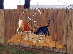 Fence Art - 25 pieces of art using a backyard fence as the canvas - Gartenbau Front Yard Fence, Dog Fence, Dog Yard, Fence Landscaping, Backyard Fences, Yard Art, Fence Design, Garden Design, Garden Fence Art
