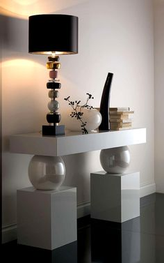 A1162 MAJOLICA PEARL SPHERES CONSOLE TABLE