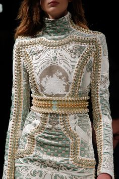 See all the Details photos from Balmain Autumn/Winter 2012 Ready-To-Wear now on British Vogue Fashion Details, Love Fashion, High Fashion, Fashion Beauty, Fashion Show, Autumn Fashion, Fashion Outfits, Fashion Design, Fashion Week Paris
