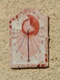 *St Julien d'Asse Alpes de Htes Provence Sistema Solar, Sundial, Water Features, Street Art, Art Deco, Clock, Sculpture, Pure Products, Watches