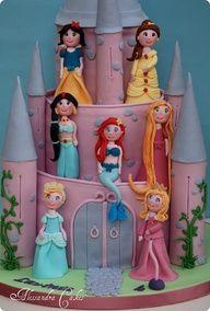 Disney Princess Cake  www.decorazionido... Idee e strumenti per il #cakedesgin