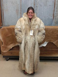 Buy online, view images and see past prices for Beautiful fur length coyote fur coat. Coyote Fur Coat, Wild Wolf, Fur Jacket, Parka, Faux Fur, Furs, Beautiful Women, Fur Coats, How To Wear