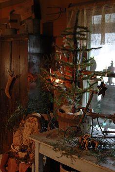 Abigail's Antique Living - MagdalenBluePhotography *See Primitive Christmas Decorating, Primitive Country Christmas, Prim Christmas, Christmas Past, Vintage Christmas, Christmas Decorations, Primitive Fall, Primitive Snowmen, Christmas Things