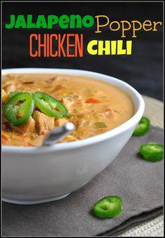 Jalapeno Popper Chicken Chili {under 300 calories!}