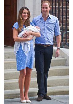 Das Pünktchenkleid, das Herzogin Kate zu ihrem ersten öffentlichen After-Birth-Auftritt nach der Geburt von Prinz George trug, war binnen Minuten ausverkauft und legte die Website von Jenny Packham lahm.
