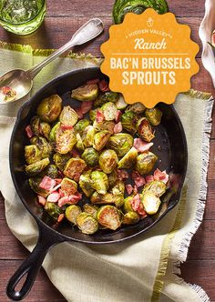 Oven Roasted Brussels Sprouts With Bacon A Family Feast – And Since Pretty Much … Coles de Bruselas asadas con … Side Dish Recipes, Vegetable Recipes, Low Carb Recipes, Diet Recipes, Cooking Recipes, Healthy Recipes, Sprout Recipes, Skillet Recipes, Fall Recipes