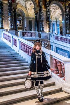 Gothic Lolita Fashion, Gothic Outfits, Japanese Street Fashion, Mori Girl, Lolita Dress, Visual Kei, Kawaii Fashion, Style Inspiration, Character Inspiration