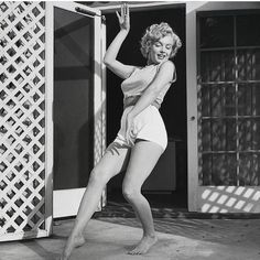 Yay!! It's Friday!!!! This pic is part of a series of photos taken by Andre de Diennes at his house in LA 1953.  #marilyn #marilynmonroe #monroe #marilynfan #AndreDeDiennes #losangeles #dancing #marilynettes #hollywood #vintage #vintagehollywood