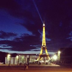 Eiffel tower, champ de Mars
