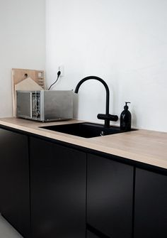 kitchen interior design inspiration http://bycocoon.com | sturdy stainless steel kitchen taps | project design | bathroom design | kitchen design | renovations | Dutch Designer Brand COCOON