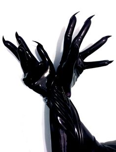latex-gloves-nail-gloves-fetish Slick, sleek, and sexy, guaranteed to feed your fetish. Stephane Rolland, Diesel Punk, Lace Front Wigs, Lace Wigs, Mode Latex, Veronique Branquinho, Fetish Fashion, Latex Fashion, Wigs For Black Women