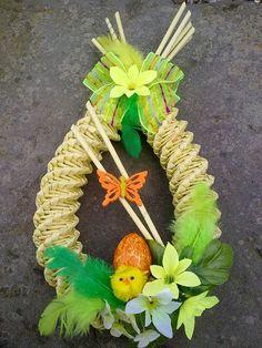 Centrum.sk email Metal Photo Frames, Easter Crochet Patterns, Newspaper Basket, Art N Craft, Easter Wreaths, Easter Baskets, Easter Crafts, Quilling, Easter Eggs