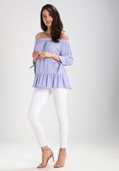 ¡Cómpralo ya!. Saint Tropez Blusa flipper. Saint Tropez Blusa flipper Ropa   | Material exterior: 100% viscosa | Ropa ¡Haz tu pedido   y disfruta de gastos de enví-o gratuitos! , blusas, blusa, blusón, blusones, blouses, blouse, smock, blouson, peasanttop, blusen, blusas, chemisiers, bluse. Blusas  de mujer color azul claro de Saint tropez.
