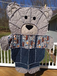 Quilting Projects, Sewing Projects, Quilting Ideas, Sewing Hacks, Teddy Bear Quilt Pattern, Rag Quilt Patterns, Sewing Machine Quilting, Little Tykes, Animal Quilts