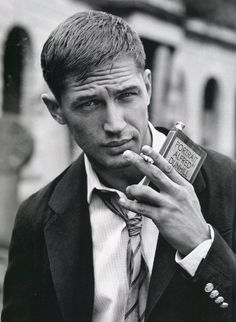 """Welcome to The Best Of Tom Hardy! We provide you with your daily dose of best quality images and Media of the one and only Edward Thomas """"Tom"""" Hardy. Also, feel free to Look At You, How To Look Better, Pretty People, Beautiful People, Desu Desu, Foto Portrait, Looks Black, Portraits, Hommes Sexy"""