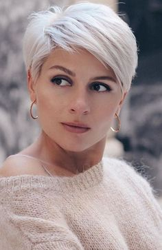 Short Hairstyles For Thick Hair, Short Grey Hair, Short Pixie Haircuts, Curly Hair Styles, Curly Short, Blonde Pixie Hairstyles, Hair Short Bobs, Blonde Short Hair Pixie, Short Textured Haircuts