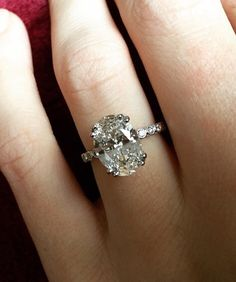 Obsessed My fave jeweler.. Lauren B Jewelry   Dear future husband... Oval diamond, 3 Carats+, beyond sparkly...