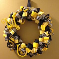 Go racers!!! My finished Murray State wreath!!