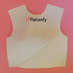 Pattern Drawing, Pattern Paper, Soutache Pattern, Dress Sites, Sewing Shorts, Couture Sewing, Fabric Manipulation, Blouse Dress, Fashion Sewing