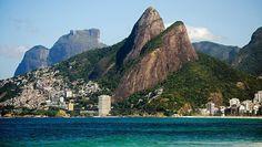 No dia 12 de outubro, às 8h, o Grupo Eco Trilhas promove uma caminhada ao Morro Dois Irmãos, no Rio de Janeiro. O custo para o passeio é R$ 20 e pode ser feito no dia do evento.
