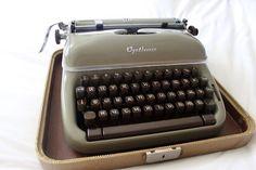 Optima Typewriter, Russian Keyboard.