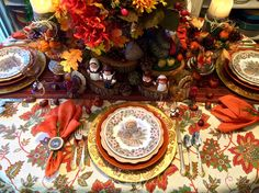 This weeks table is decorated for a Thanksgiving feast. Although I will enjoy the day alone, I am thankful for many happy memories of fam. Thanksgiving 2016, Thanksgiving Traditions, Thanksgiving Tablescapes, Traditional, Autumn, Fall, Pretty, Thankful, Painting