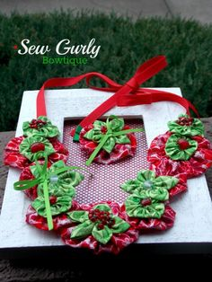 Christmas Red & Green yoyo bib necklace set by SewGurlyBowtique, $16.00