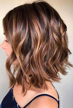 Chestnut Brown with Heavy Caramel Balayage hair, WATCH: Beautiful Balayage Highlights Inspiration for Your Next Salon Visit Fall Hair Color For Brunettes, Fall Hair Colors, Brown Hair Colors, Short Hair Colors, Good Hair Colors, Hair Styles With Color, Hair Cuts And Color Ideas, Low Lights For Brunettes, Hair Cut Ideas