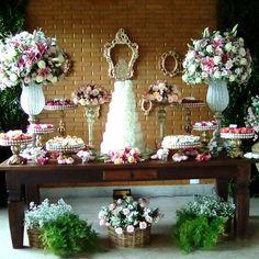 Mesa do bolo . casamento da Tuane e Luciano 10-12_2016 decoração feita por  Edileuza  borges
