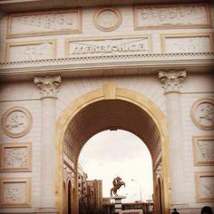 Arch of triumph- Skopje, Macedonia