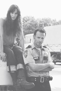 SARAH WAYNE CALLIES AND ANDREW LINCOLN  ~ I KEEP RE-PINNING IT / THEY'RE TOO ADORABLE.