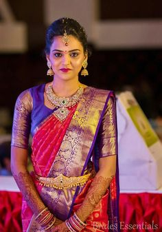 Looking for half hand blouse designs to try with your party wear sarees? Here are 15 chic blouse models that can make your silk and designer sarees pretty! Pattu Saree Blouse Designs, Bridal Blouse Designs, Blouse Back Neck Designs, Saree Jewellery, Bridal Jewellery, Indian Bridal Sarees, Bridal Lehenga, Indian Jewellery Design, Indian Jewelry