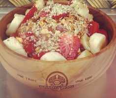 Hemp acai bowl - Instagram @ islandbowls