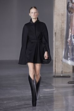 Iris van Herpen | Fall 2014 Ready-to-Wear Collection | Style.com #Minimalist #Minimalism #Fashion