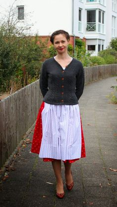 sewing galaxy: Mein Dirndl Lace Skirt, Midi Skirt, Folk Fashion, Folk Style, Skirts, Clothes, Sewing, Outfits, Couture