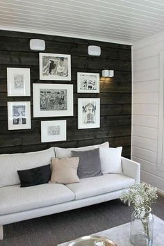 living room with dark walls Living Space With Dark Dramatic Walls: Thirty Ideas Cheap Living Room Sets, Living Room Colors, Small Living Rooms, Living Room Decor, Living Spaces, Log Home Interiors, Accent Wall Bedroom, European Home Decor, Dark Walls