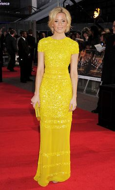 Yellow on blondes can be so stunning. Elizabeth Banks.