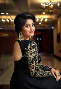 Surbhi in Geethika Kanumilli at Andagathey Audio Launch - South Indian Actress Beautiful Girl Photo, Beautiful Girl Indian, Beautiful Indian Actress, Beautiful Women, Stylish Girls Photos, Stylish Girl Pic, Girl Photos, Surabhi Actress, Photoshoot Pics