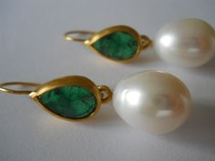 Pamela Harari's Emeralds & South Sea Pearls