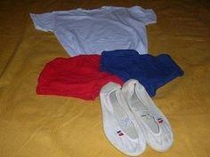 #telocvicny_ubor   ...biele tricko, cvicky, dievcata mali modre gatky a chalani cervene trenirky